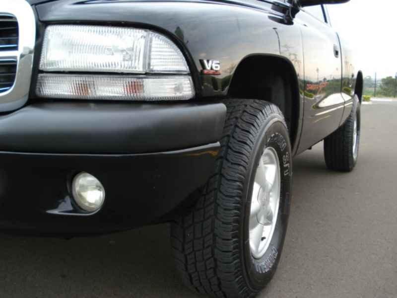 9339 - Dakota Sport V6 1999
