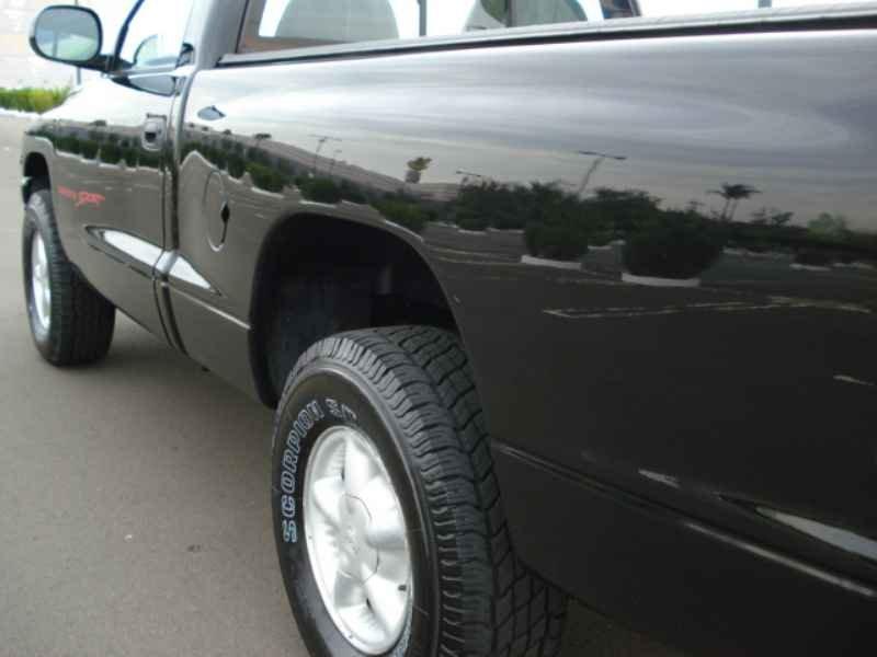 9343 - Dakota Sport V6 1999