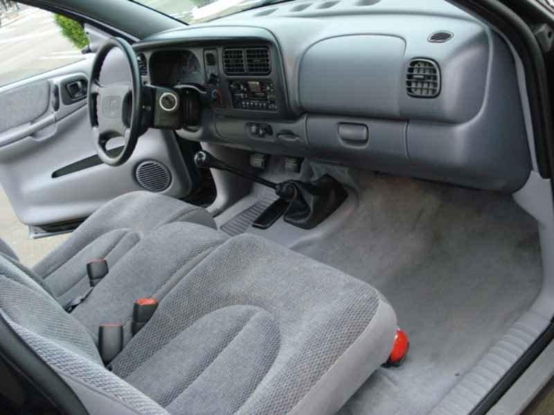 9347 - Dakota Sport V6 1999