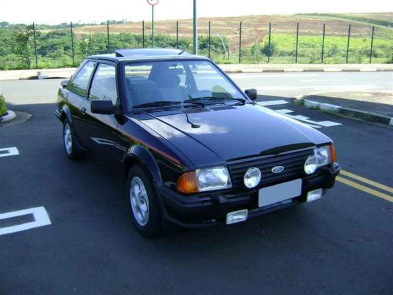 9585 - Escort XR3 1986  5.000km