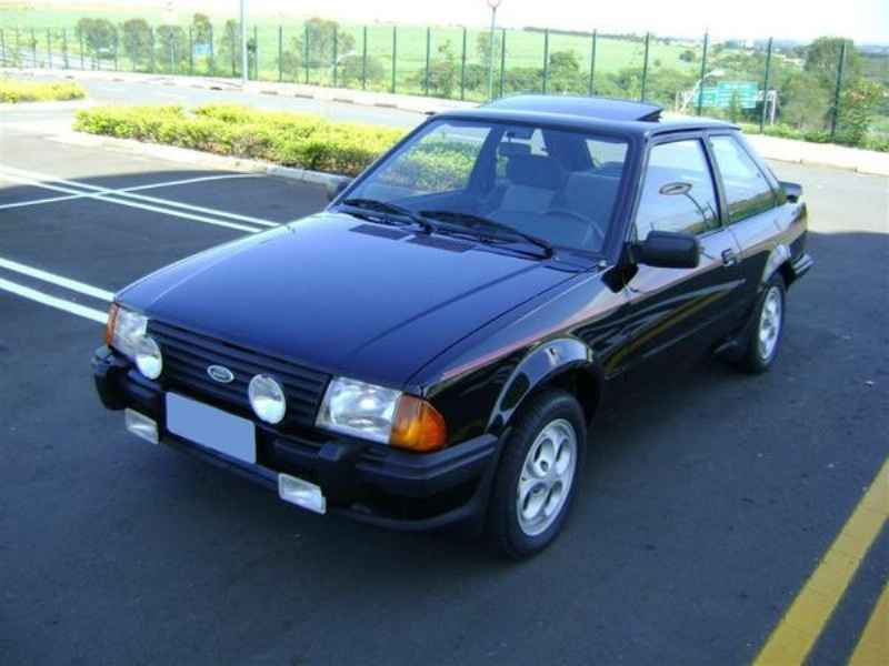 9586 - Escort XR3 1986  5.000km