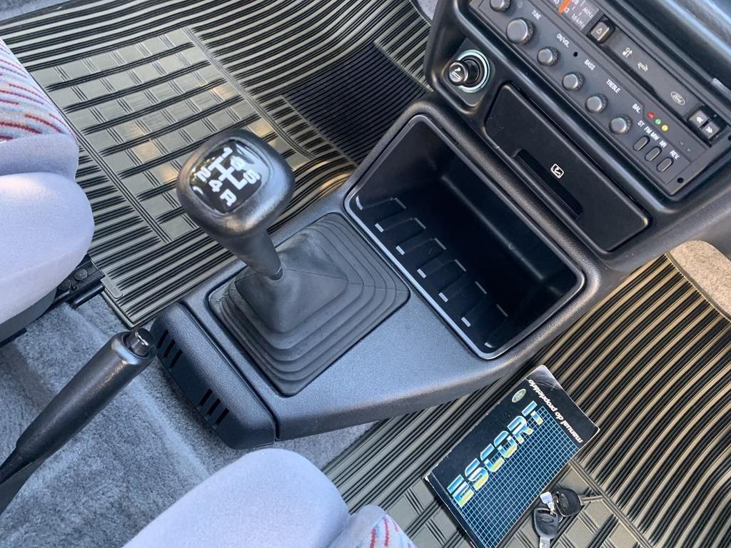 XR3 1989 43 1024x768 - Escort XR3 1989 Ar Condicionado ´´6.000km``